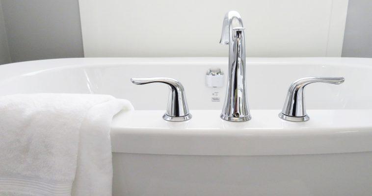Como economizar água nos condomínios? Conheça esses dispositivos